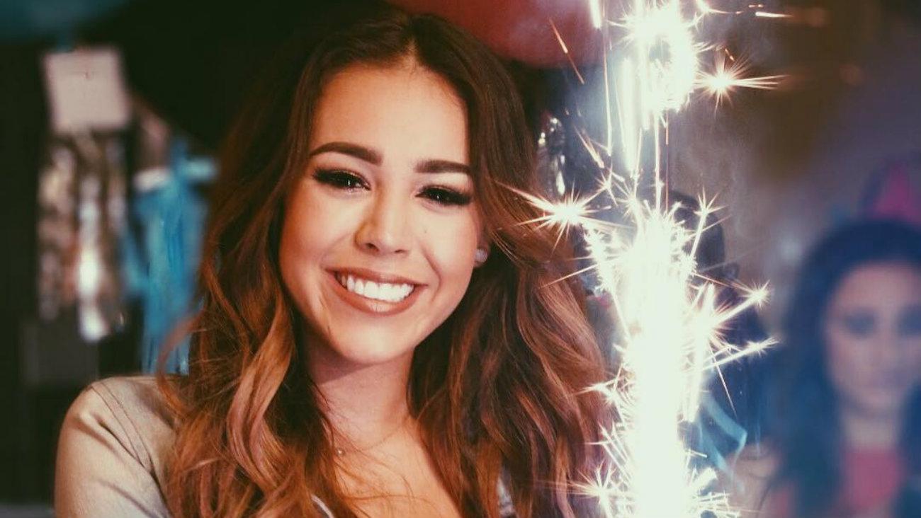 Ana Paola Desnuda danna paola pierde su inocencia con candente video | el
