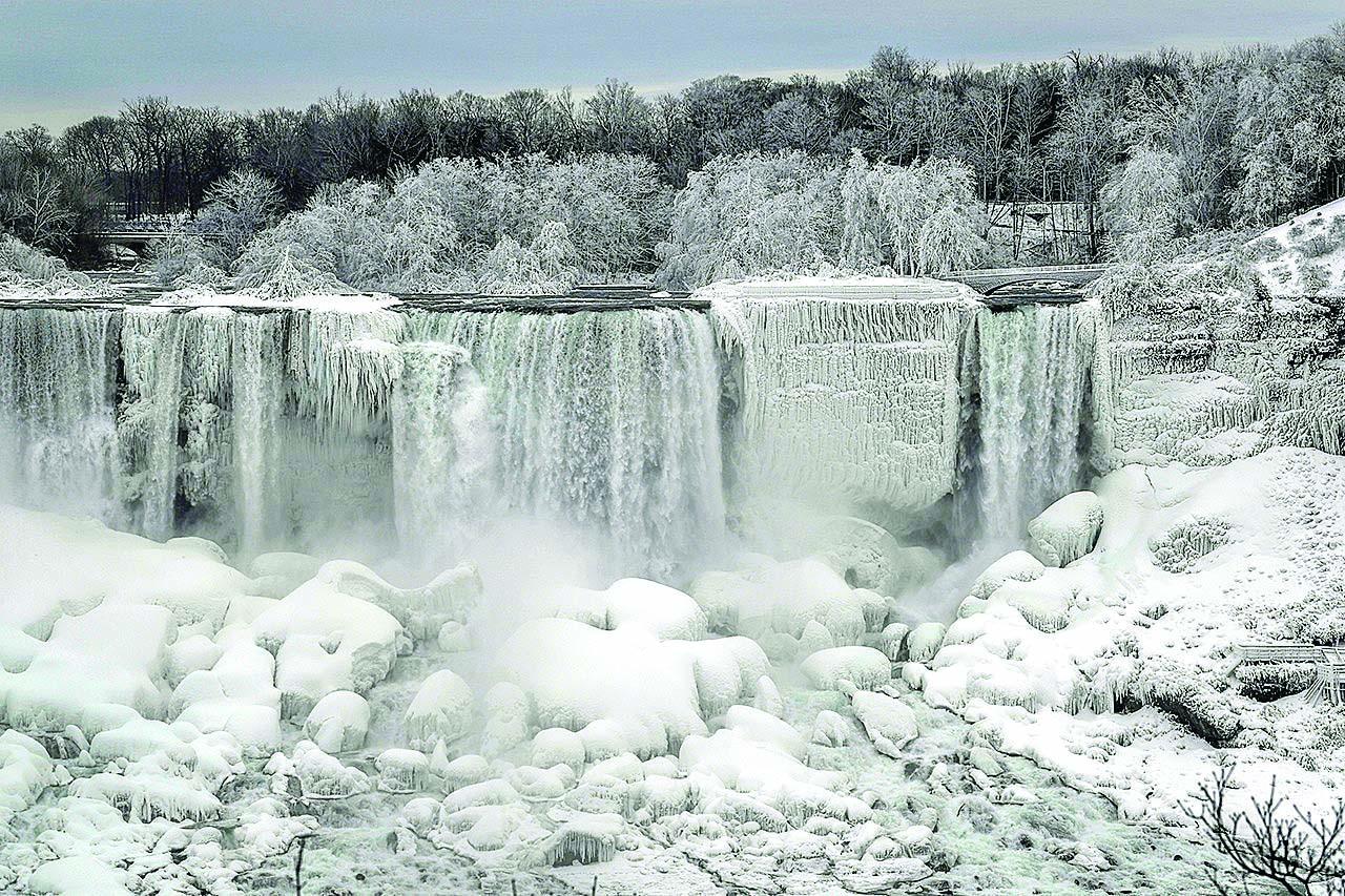 Tormenta invernal Cataratas del Niágara USA Estados Unidos