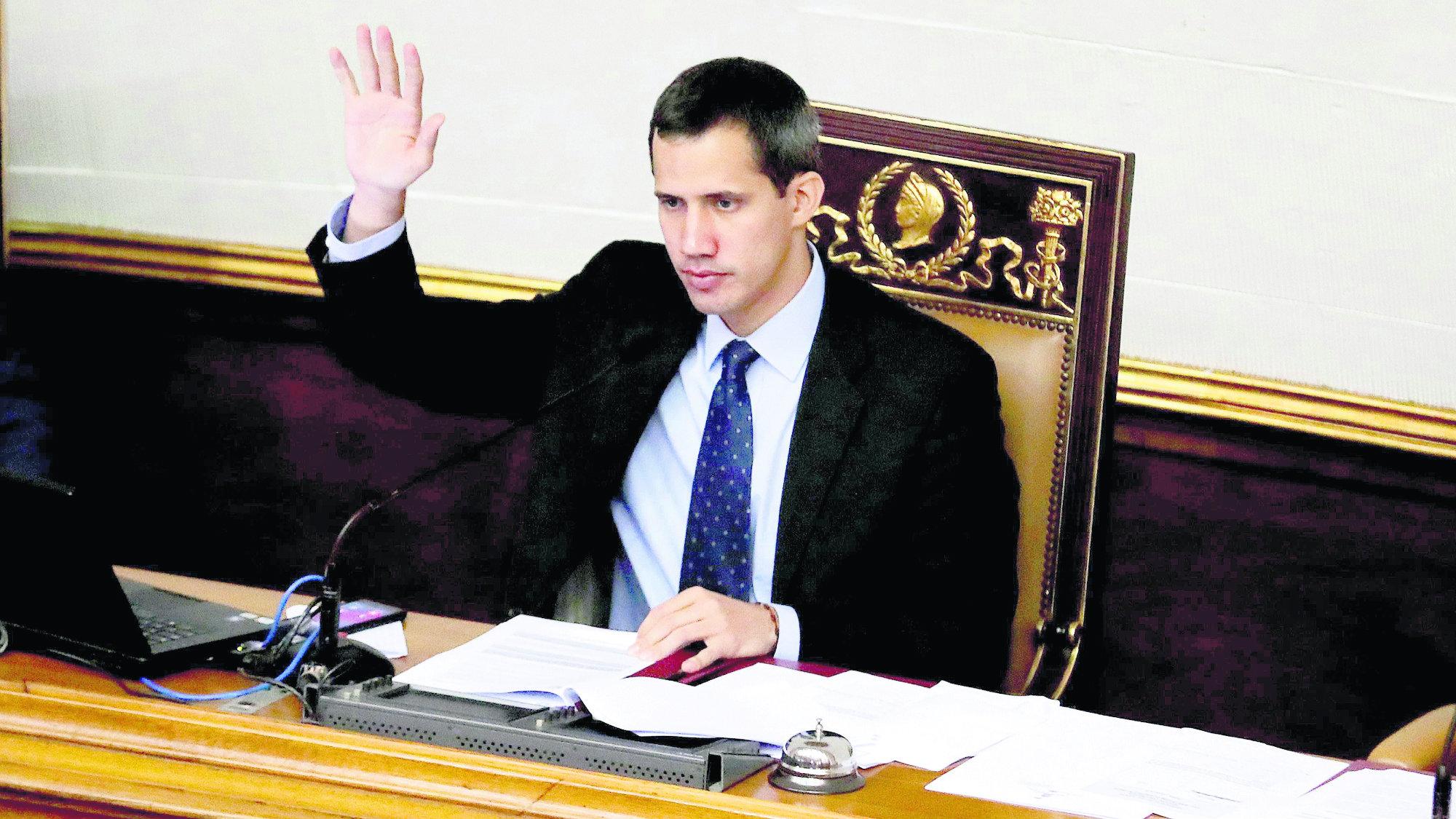 Fiscal Venezuela congela cuentas Juan Guaidó