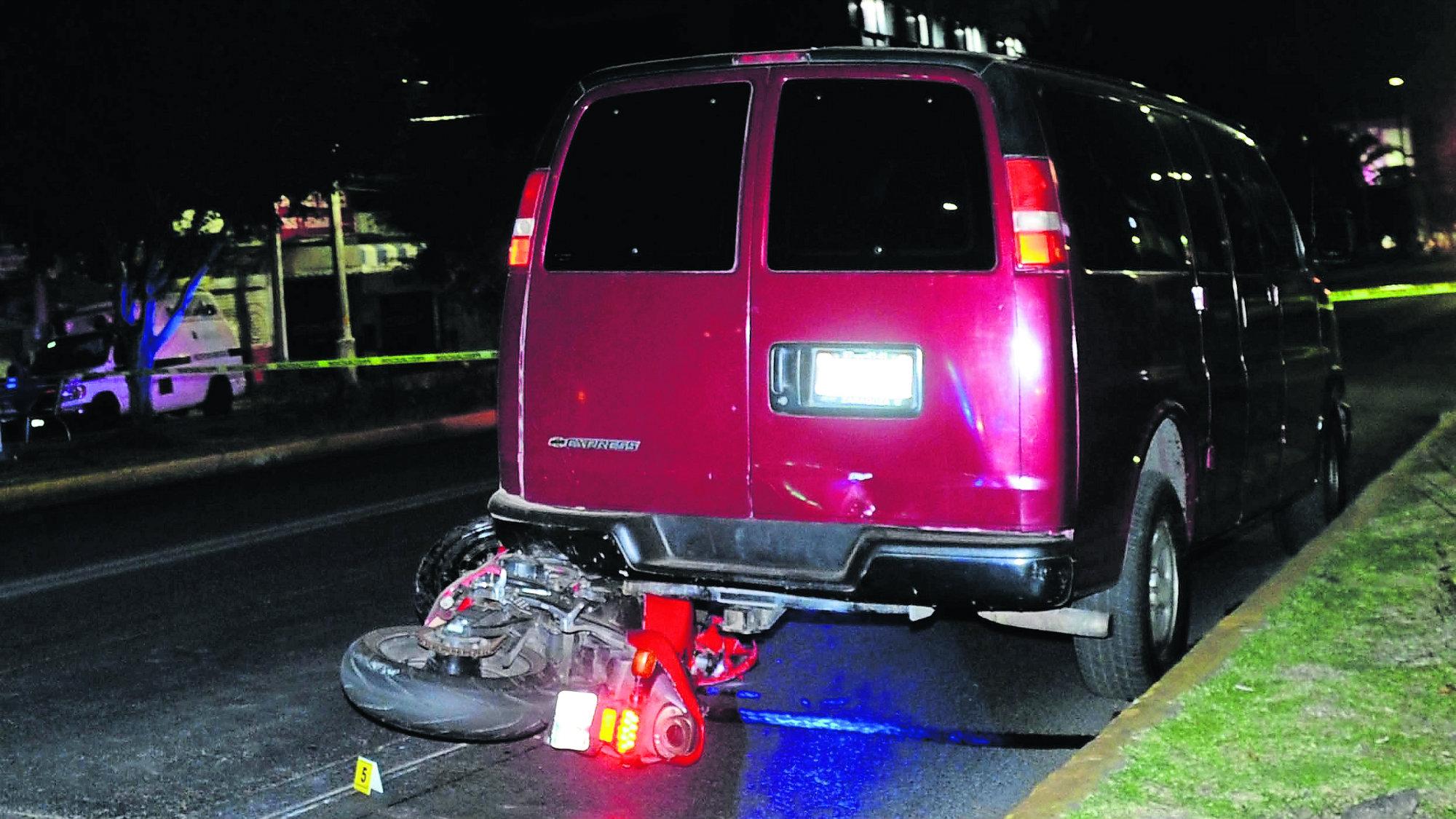 Motociclistas Choque Camioneta Muere Neza