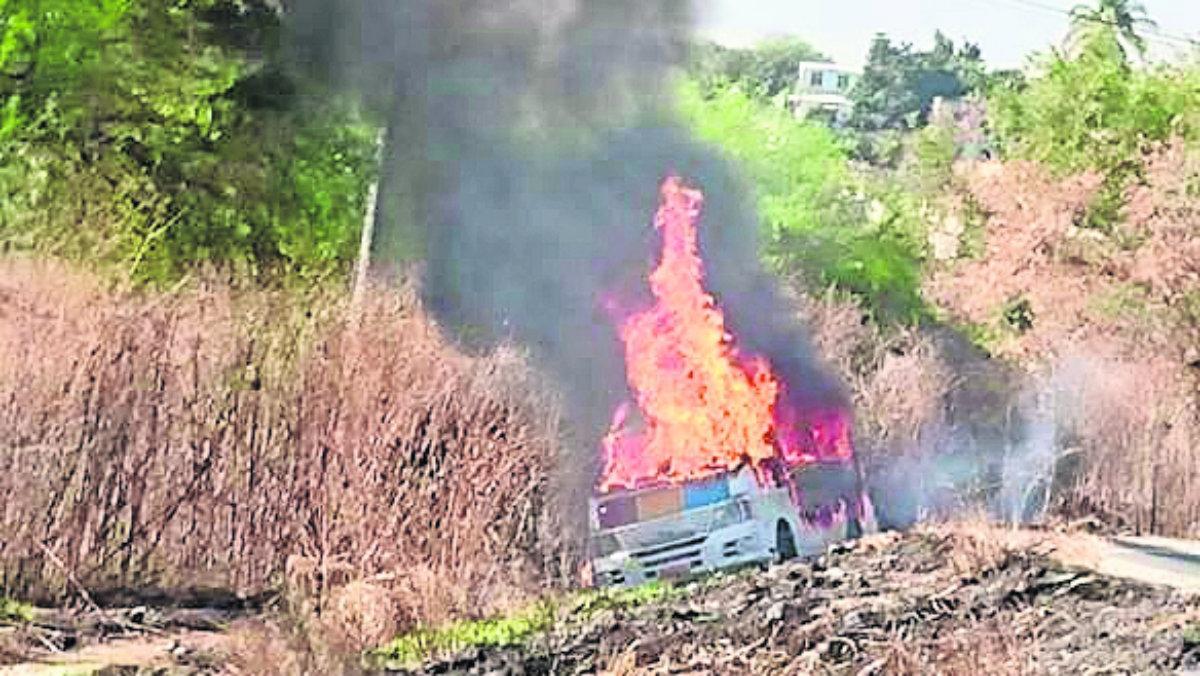 Pareja combi tanque gas LP incendio Morelos