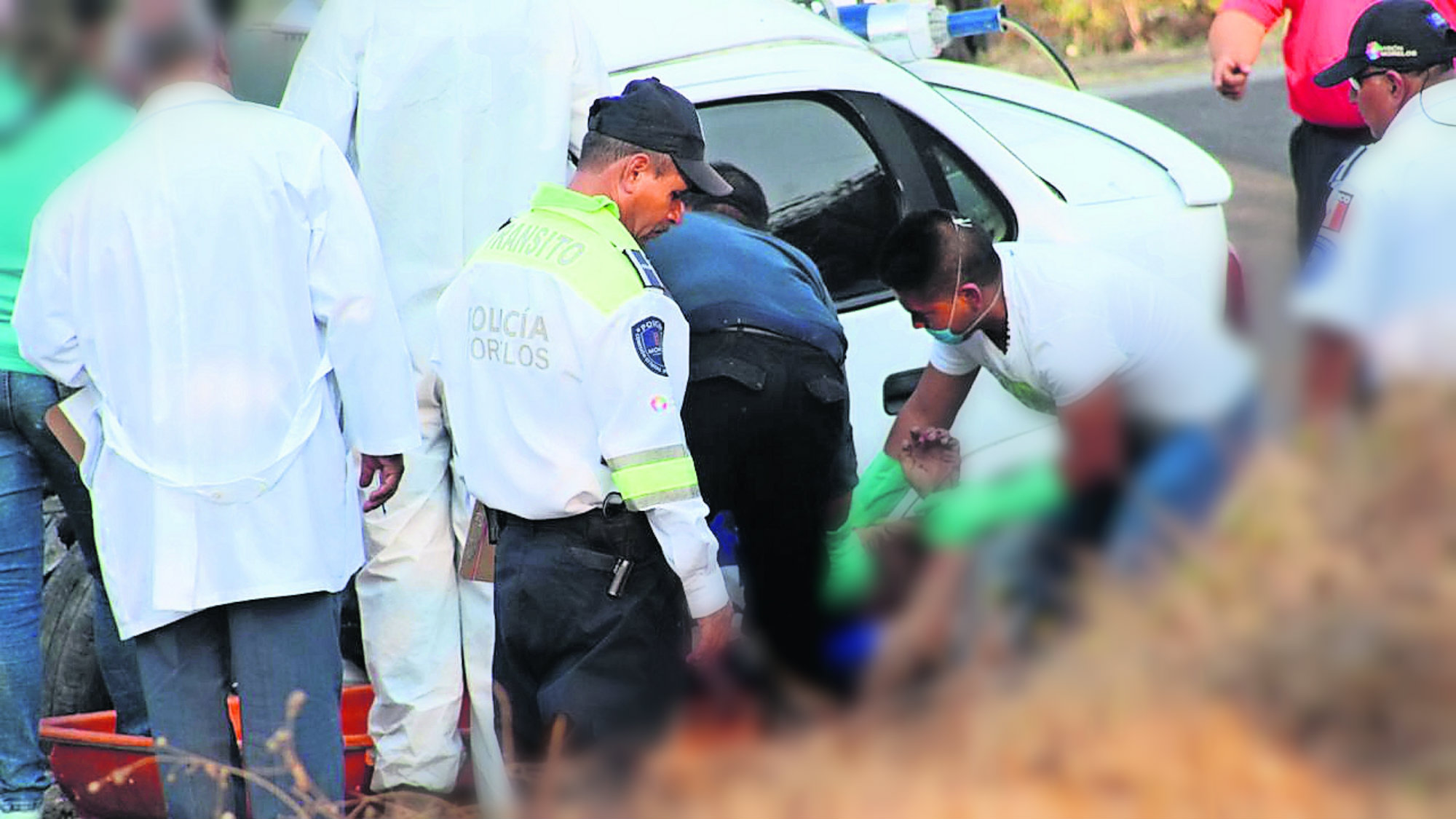 Temixco accidente quedan enlatados muere pareja por invadir carril chocan con camioneta
