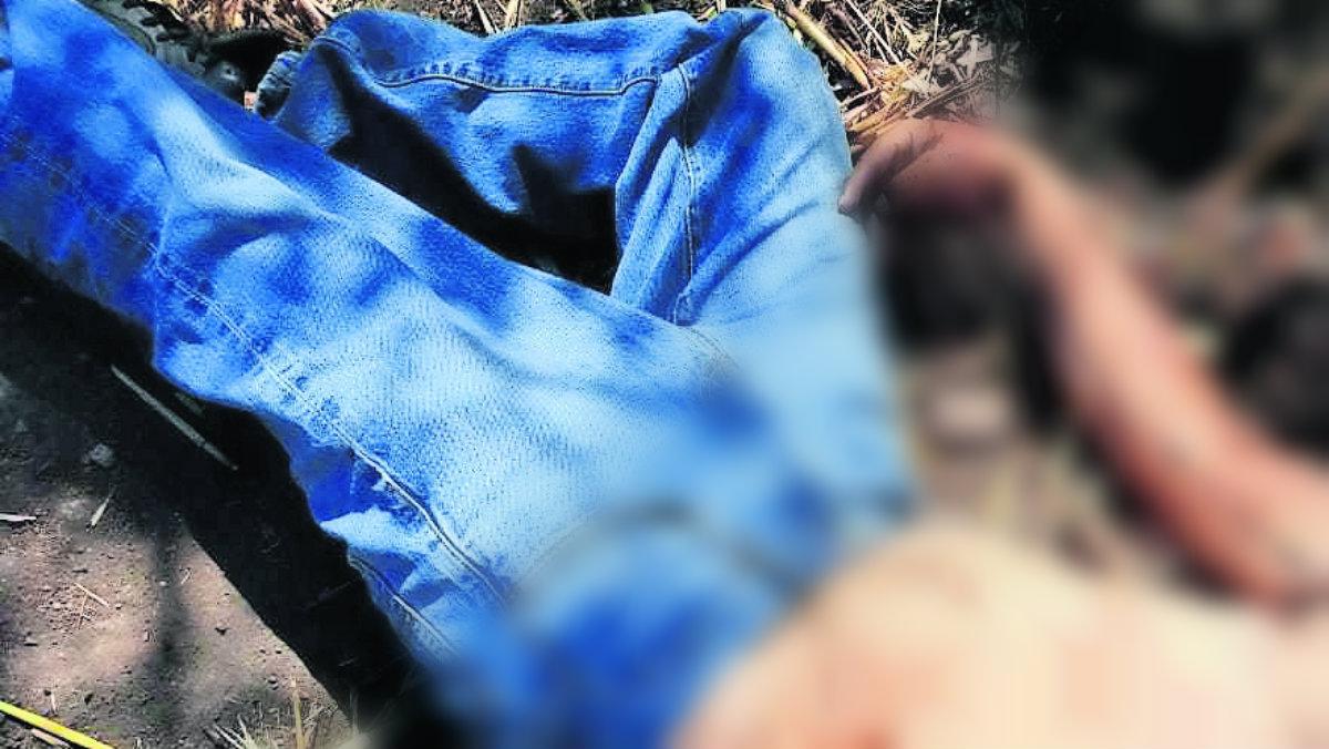 Cadáver hombre baleado ensangrentado Axochiapan