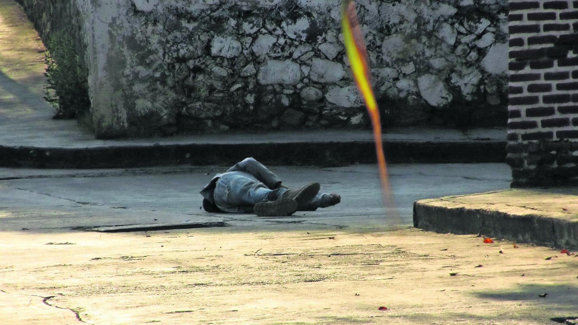 Pelea callejera ejecutan hombre Rocazos Morelos
