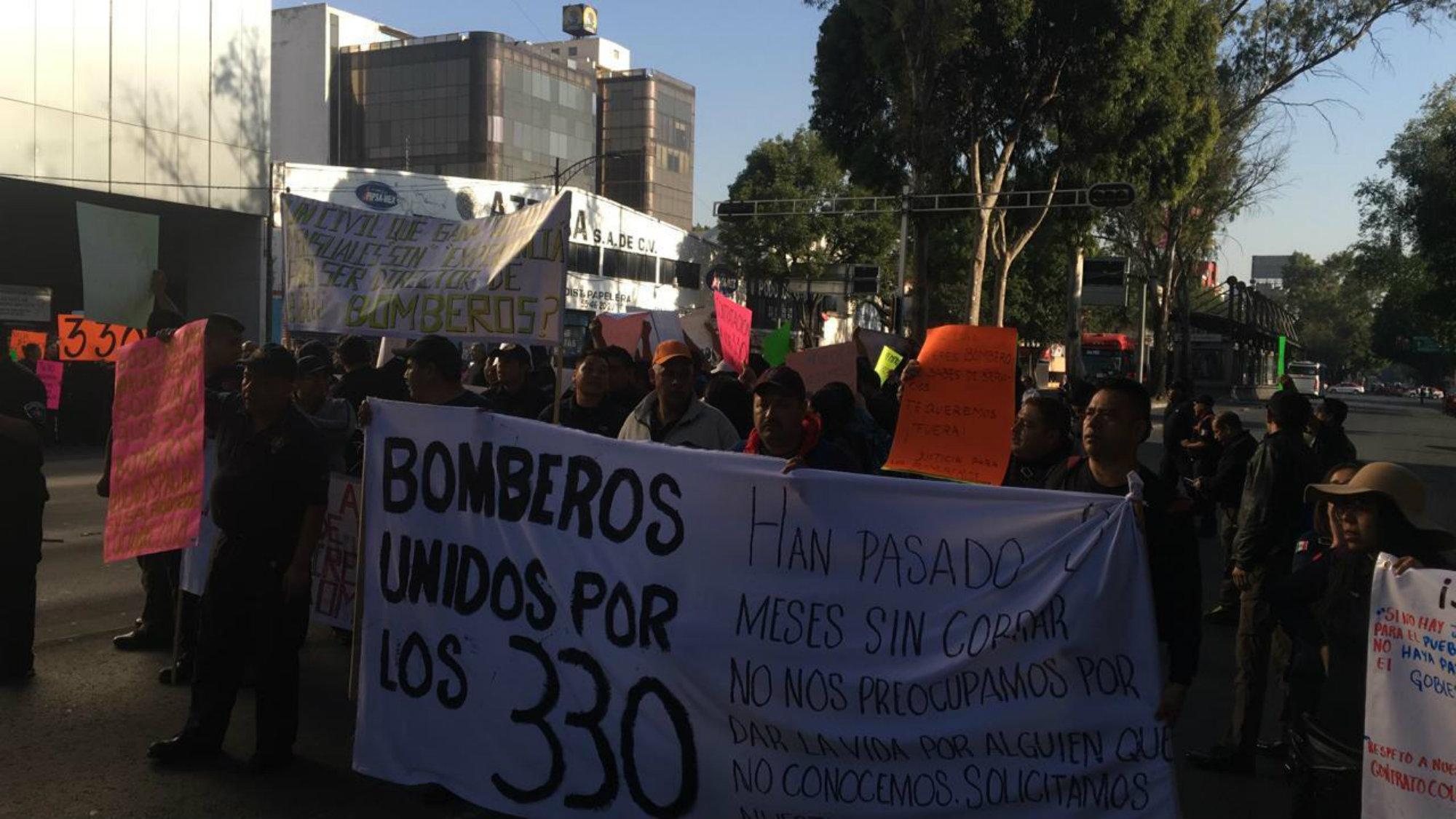 Protesta Bomberos Adeudo Claudia Sheinbaum CDMX