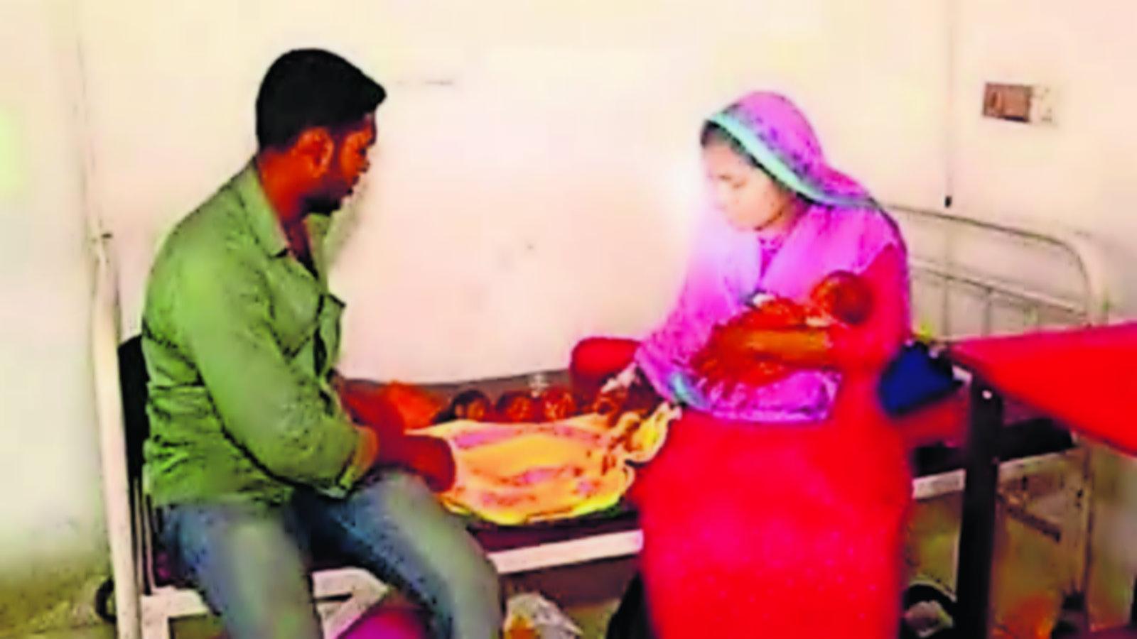 Mujer embarazada Dos úteros Gemelos Bangladesh