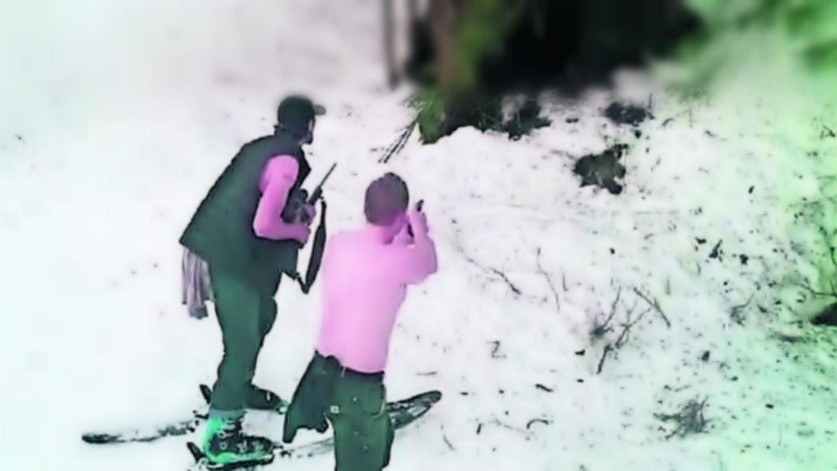 Padre e hijo matan familia osos Alaska