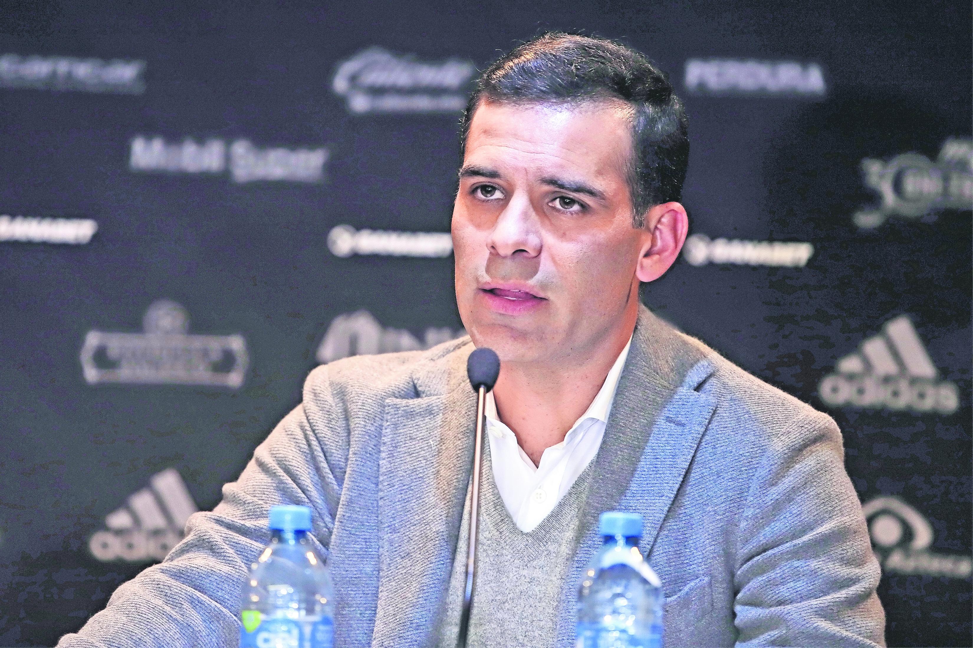 Le restriegan infidelidad del pasado a Rafa Márquez