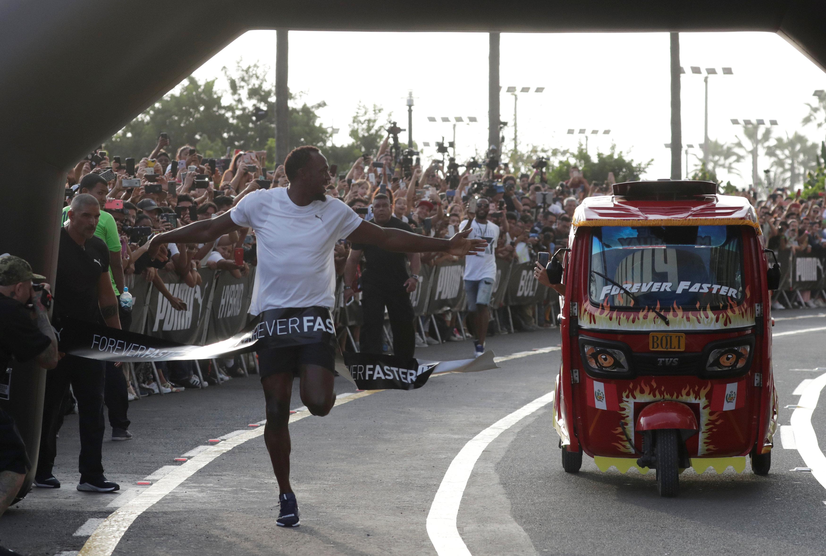 Usain Bolt es mucho más rápido que un mototaxi