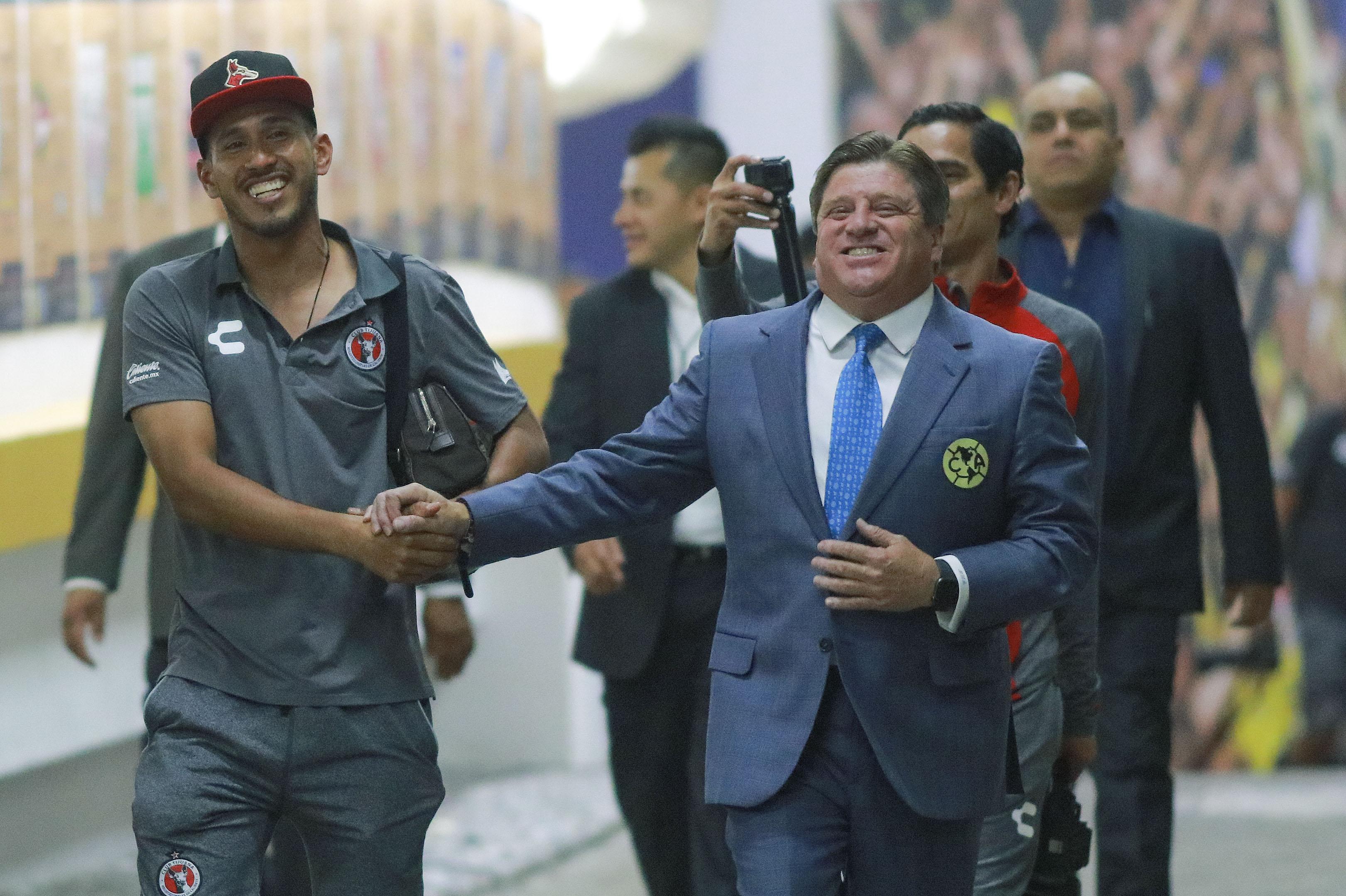 'Piojo' Herrera trollea a reportero por los despidos en Televisa Deportes