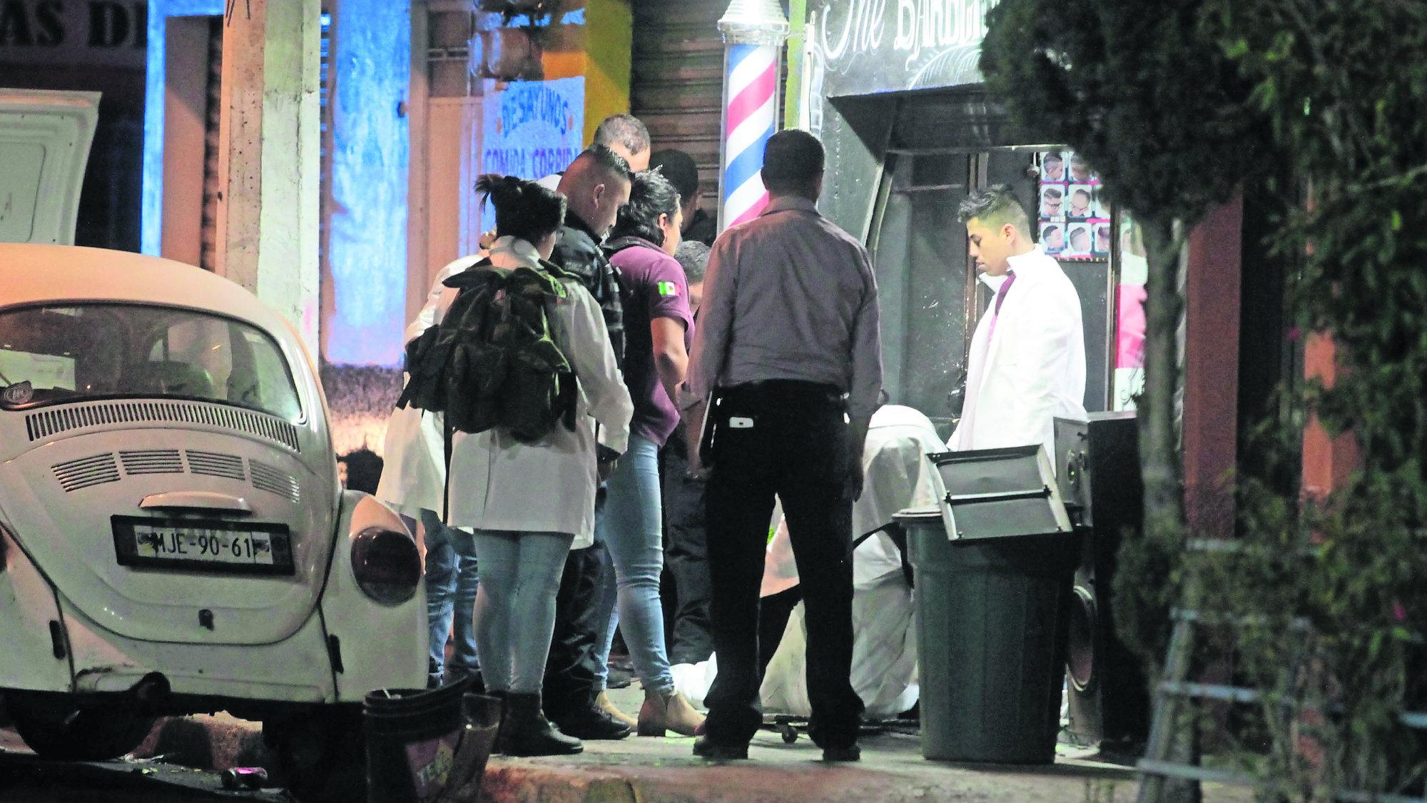 Ejecutan barbería Nezahualcóyotl Dos heridos Dos muertos
