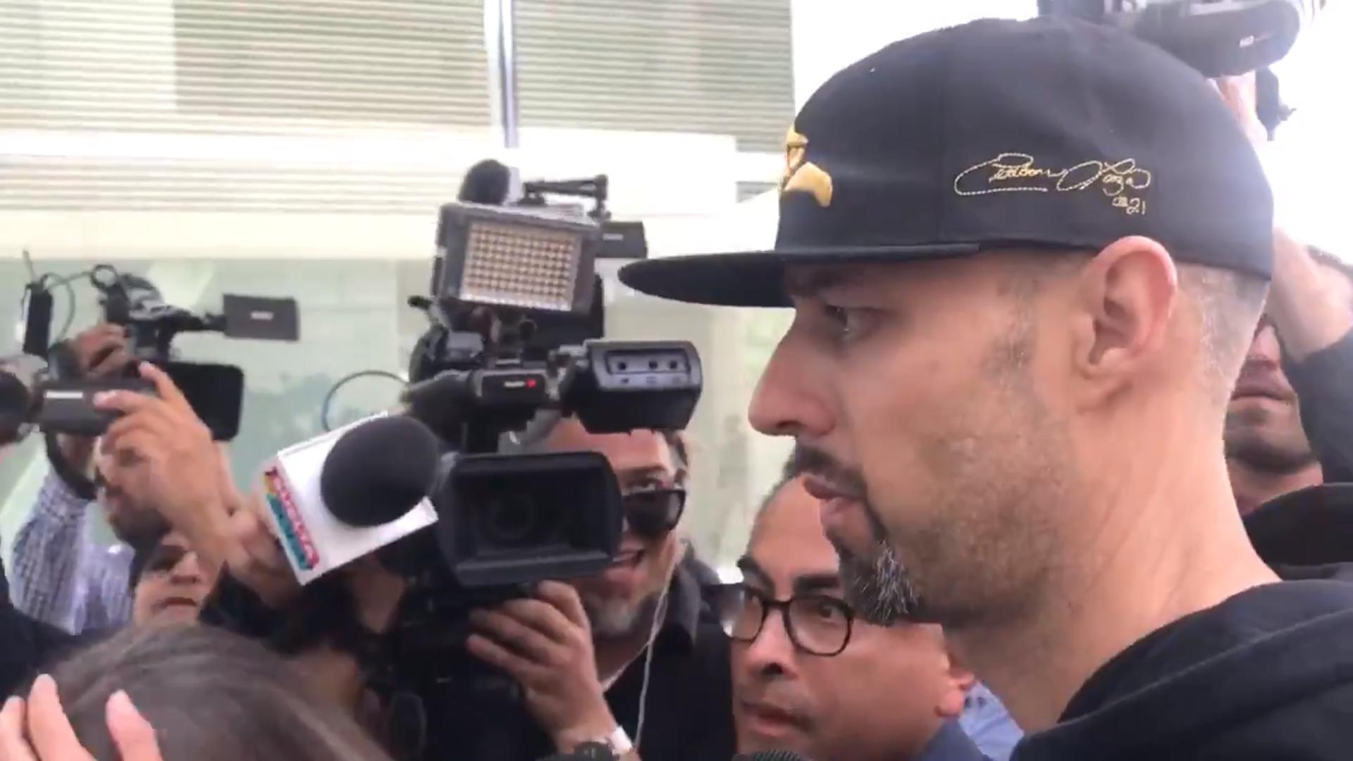 Esteban Loaiza se entrega para ir a prisión