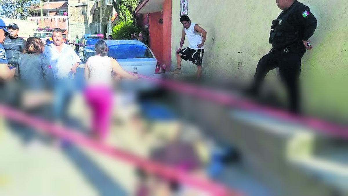 Motonetos armados rafaguean a cuatro hombres en Huixquilucan
