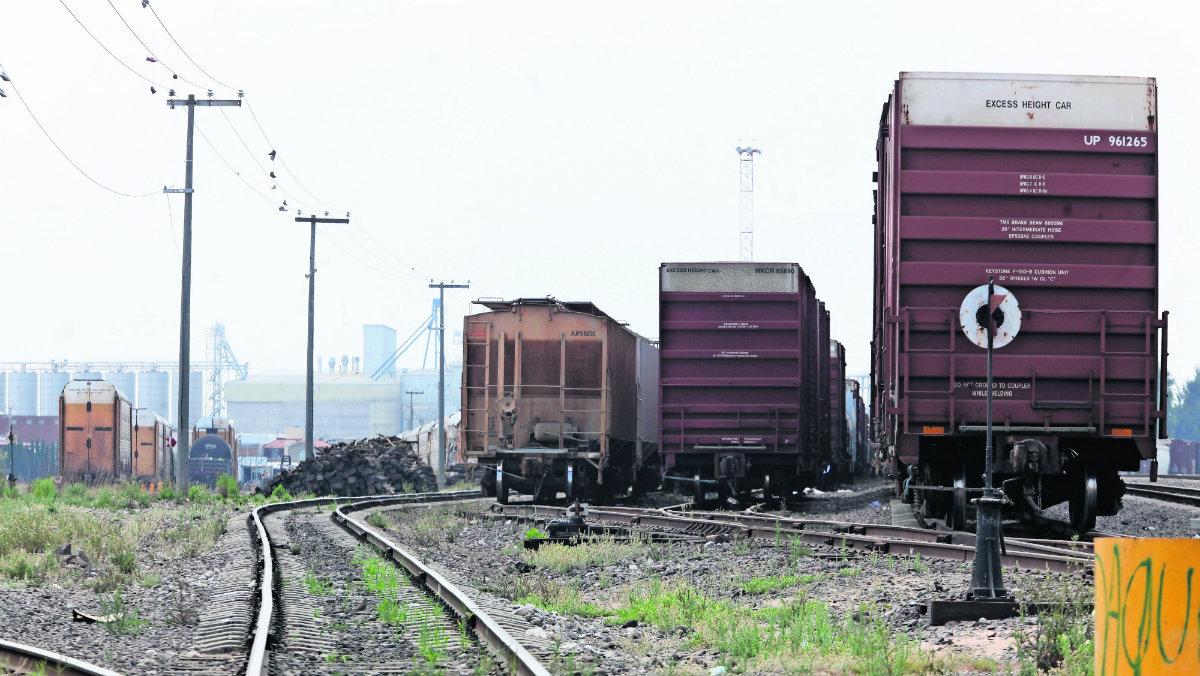 acusan empresa de ferrocarriles por negligencia inseguridad problemas vecinales kansas city