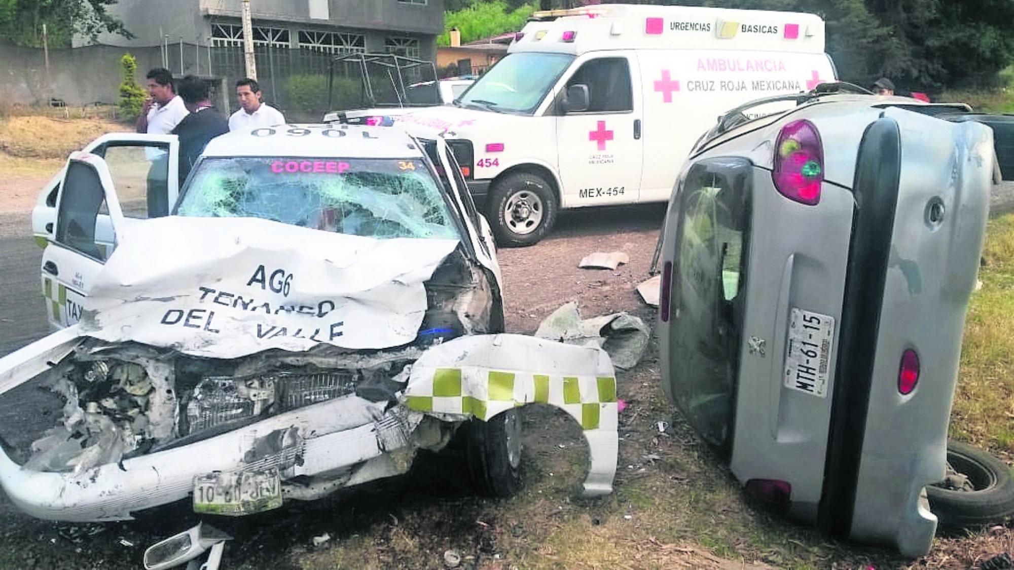 Choque deja cinco heridos Tenango del Valle Militar herido