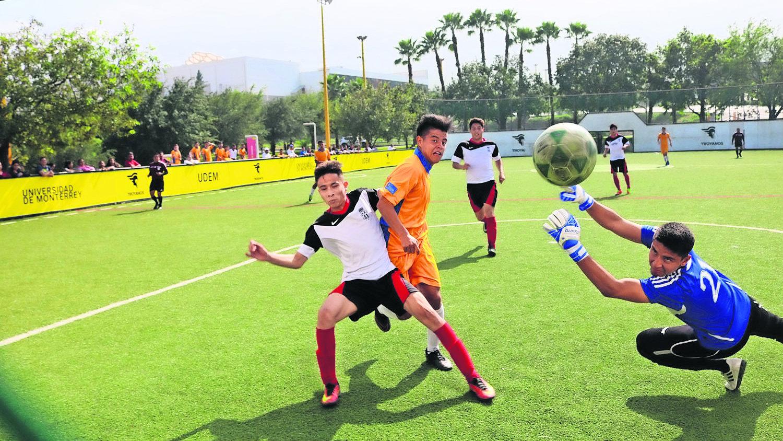 Comienza el torneo futbol siete