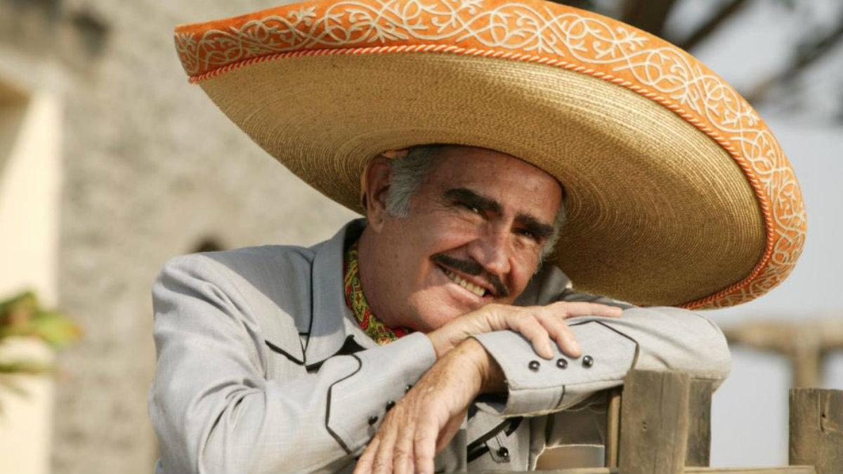 Vicente Fernández rechaza trasplante de hígado por no saber si era de un homosexual