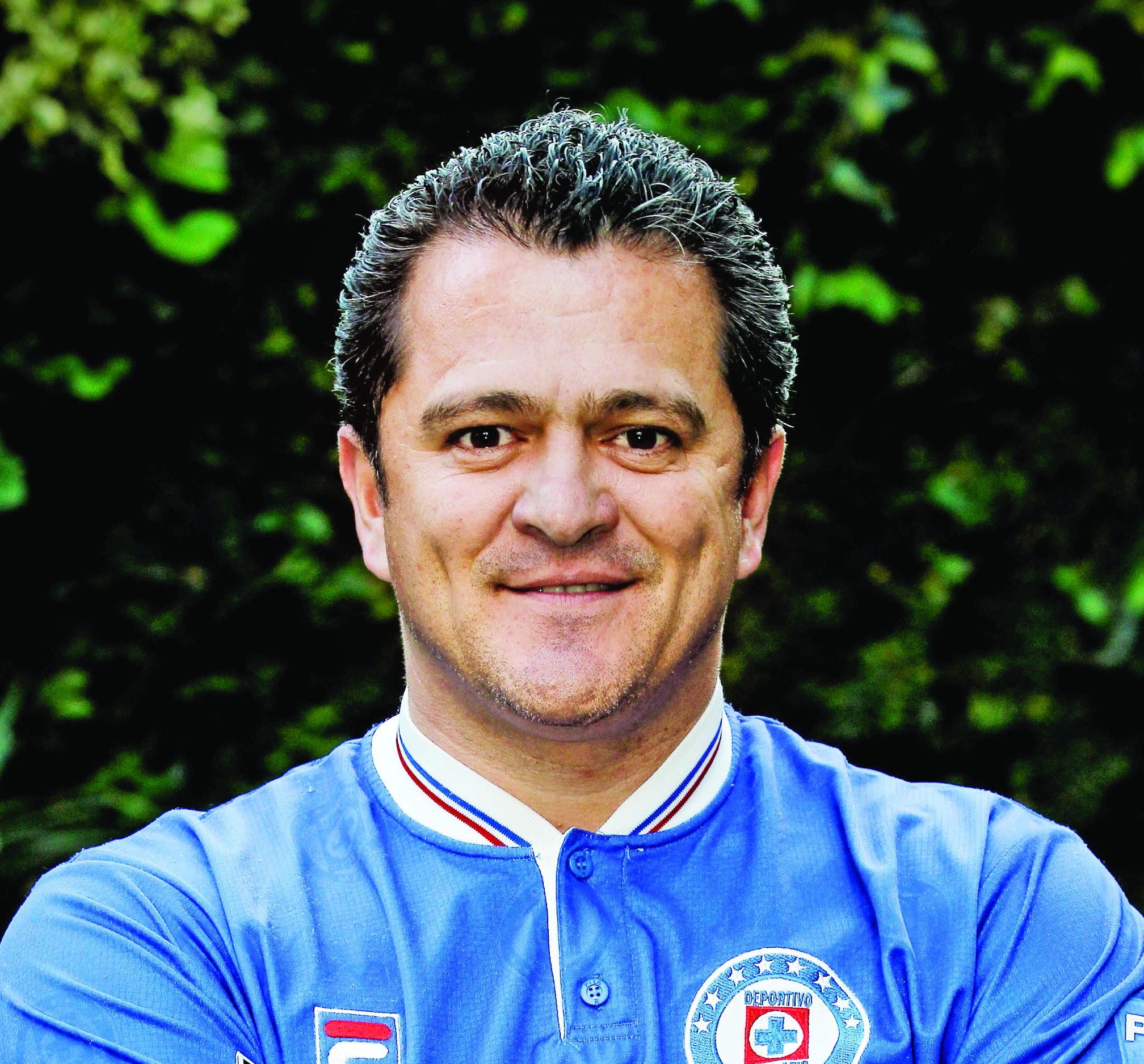 Carajo, seguimos siendo sus hijos: Carlos Hermosillo