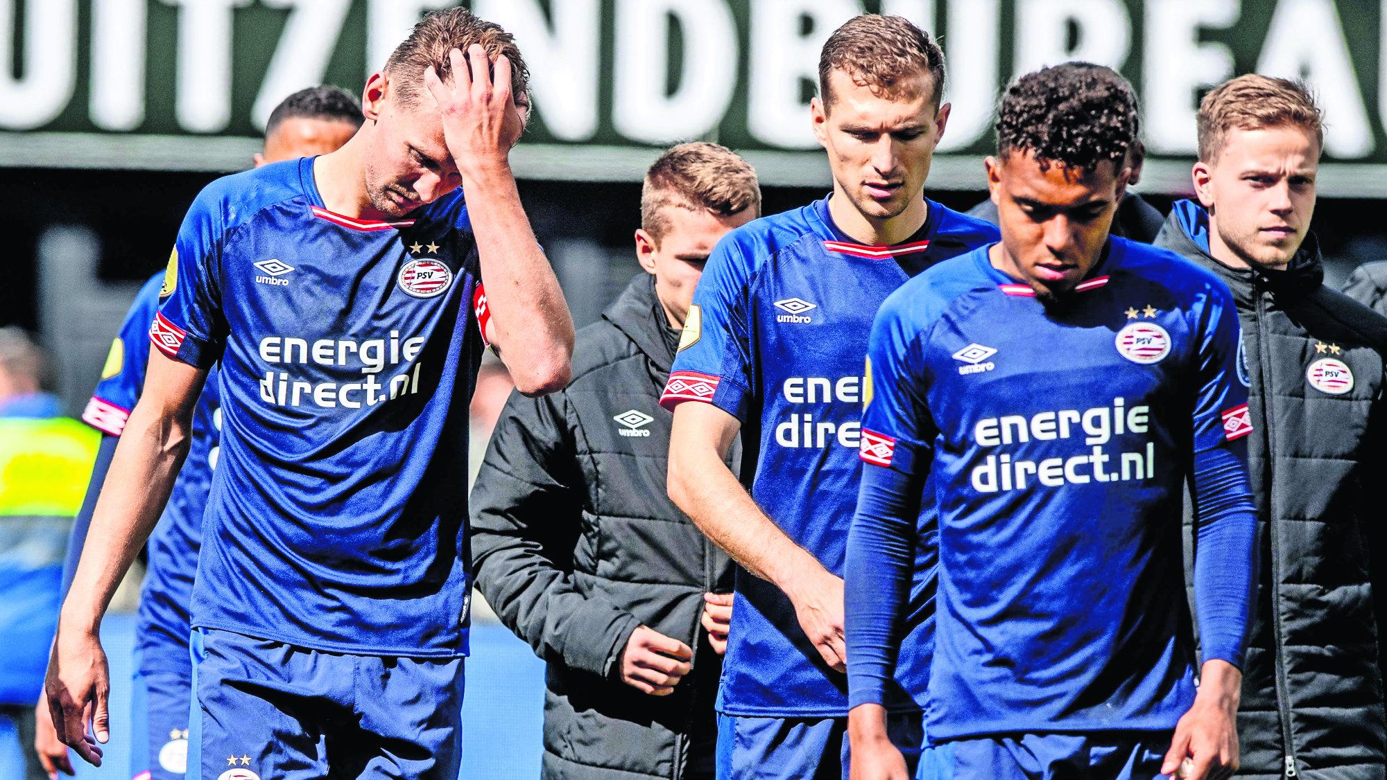 Chucky Lozano herido Dejan ir título PSV Eindhoven