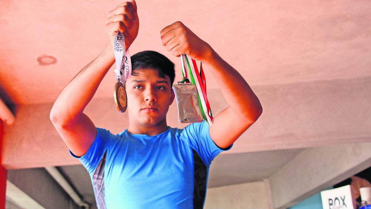 campeón box amateur olimpiada nacional quiere pelear en ecuador