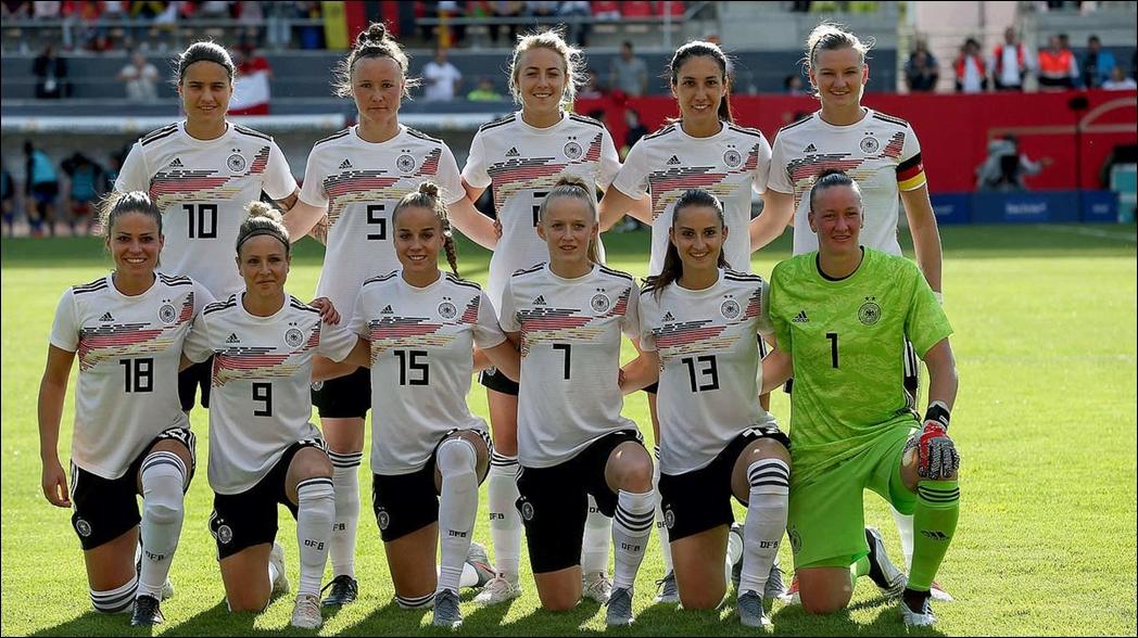 Por nuestro primer título nos dieron un juego de té: Selección Alemana Femenil