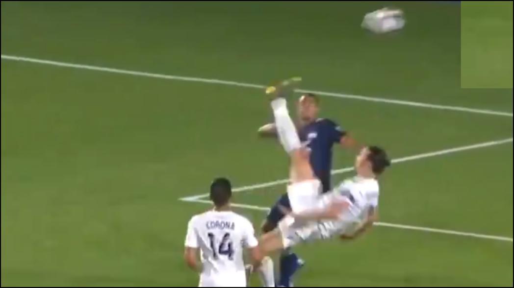 Tremenda chilena que acabó en golazo de Zlatan