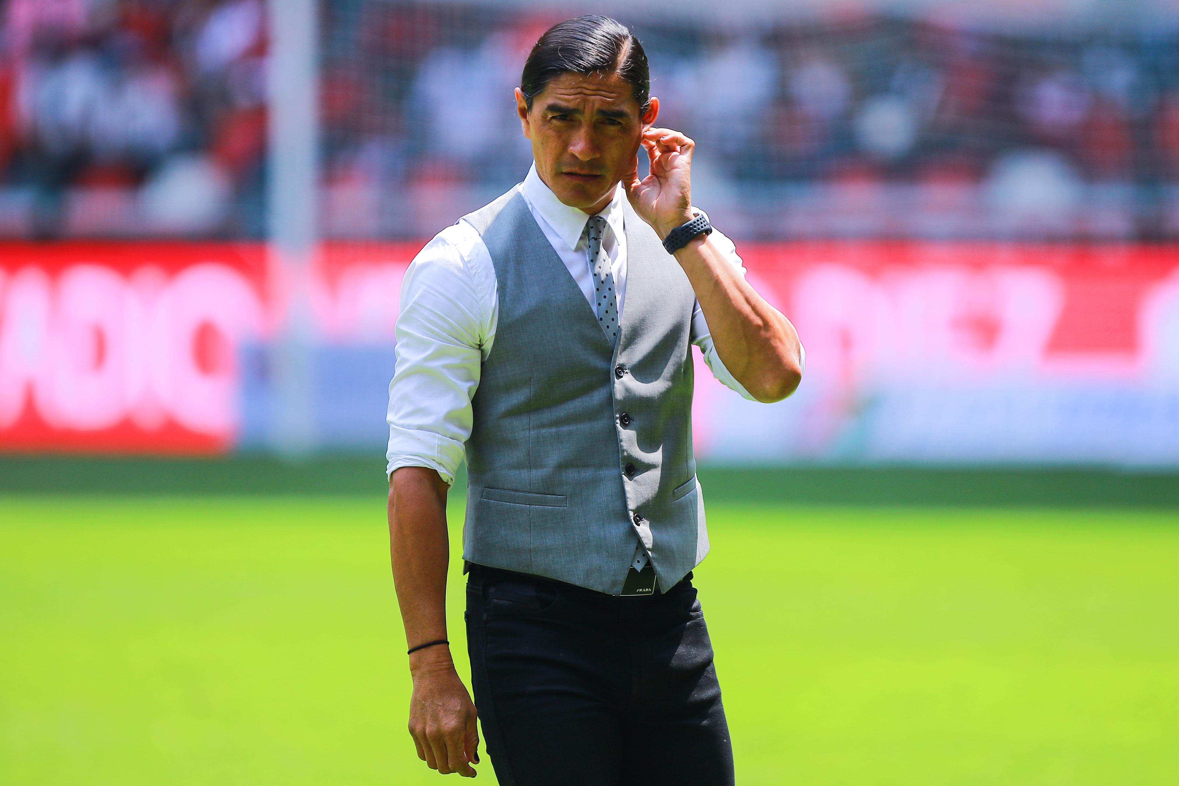 Francisco Palencia deja de ser técnico de Lobos BUAP