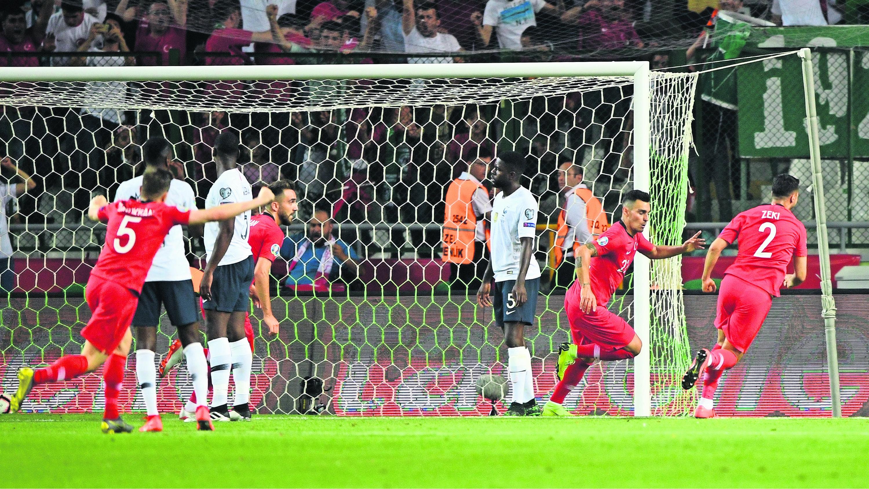 Francia 2-0 Turquía partido Estambul