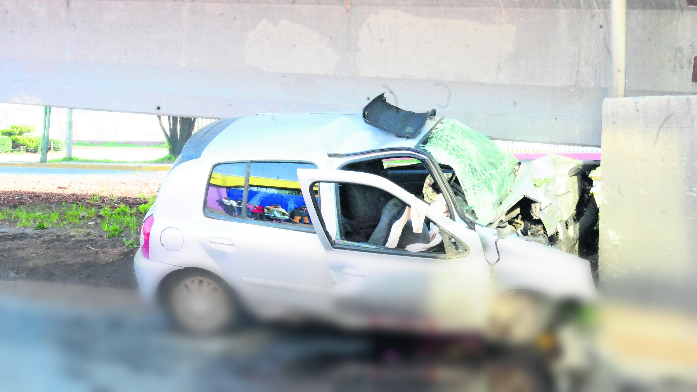 Mueren dos personas accidente automovilístico