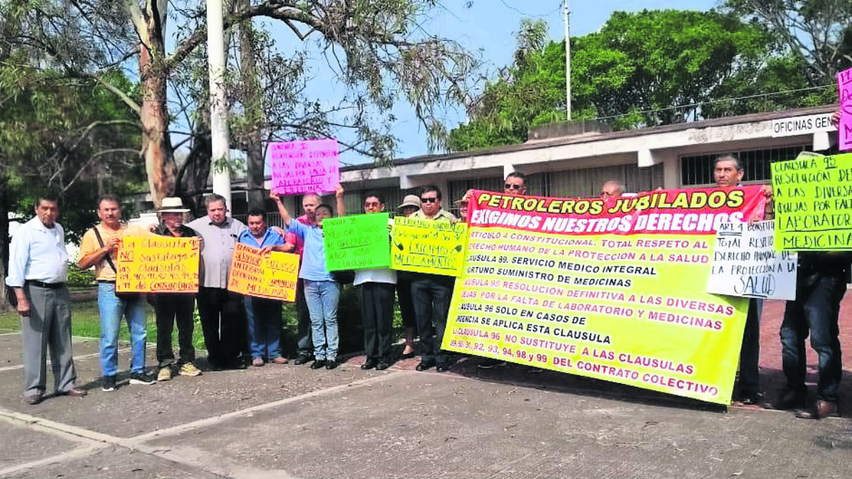 jubilados pemex protestan derechos atención médica instalaciones demanda solicitan diálogo