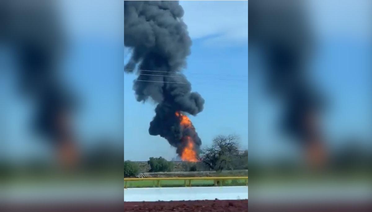 Reportan explosión ducto Pemex
