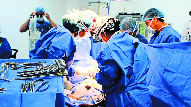 13 personas tetrapléjicas recuperan movilidad