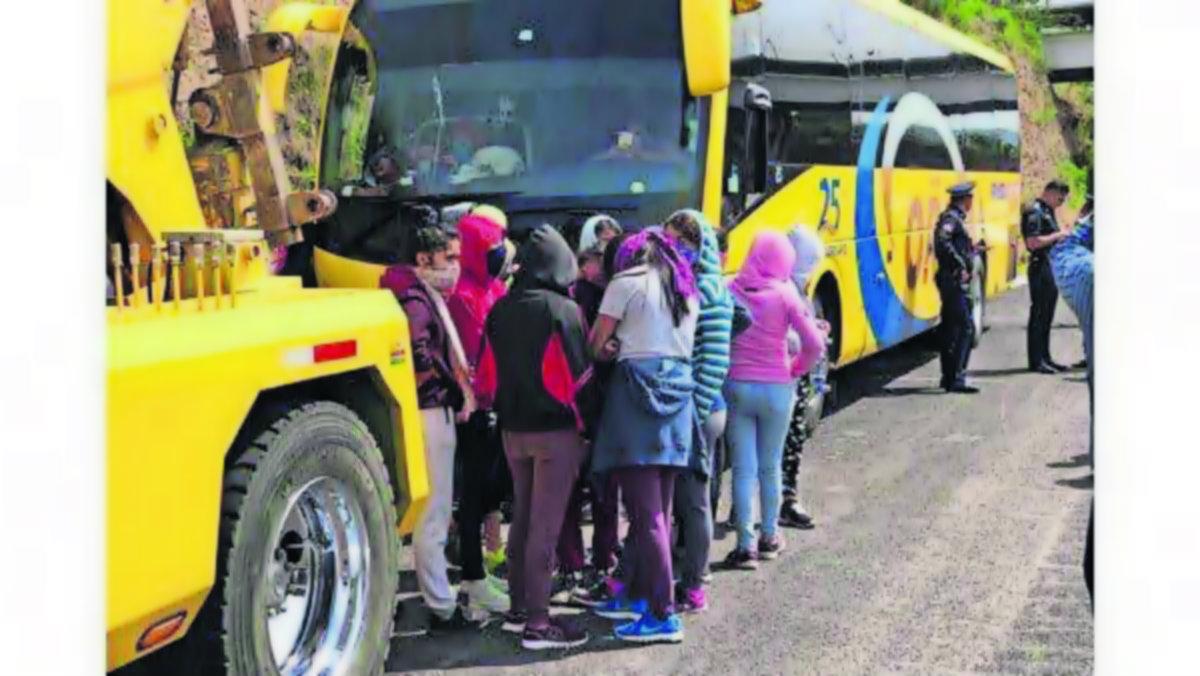 Rescatan chofer plagiado normalistas Morelos