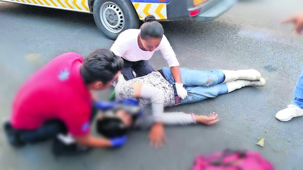 motociclista derrapa tope lesionado yautepec