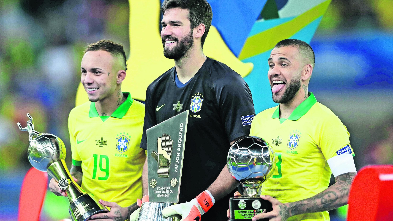 Dani Alves jugador más valioso Copa América