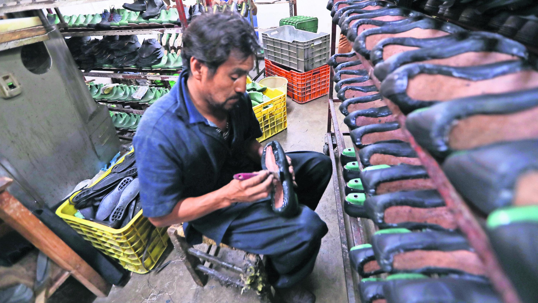 Baja producción zapatera Atenco riesgo