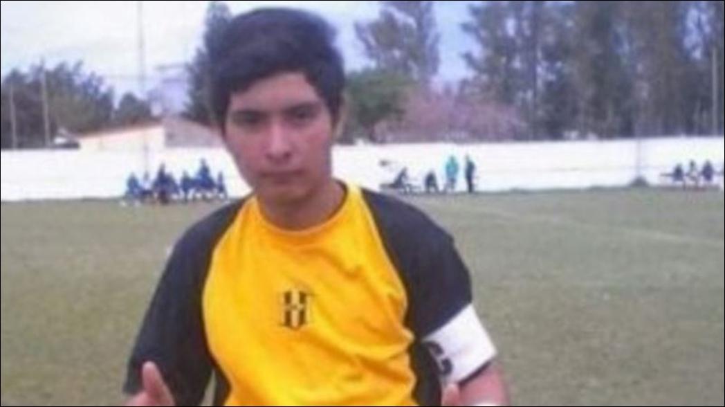 Muere portero de 17 años tras recibir un balonazo en el pecho