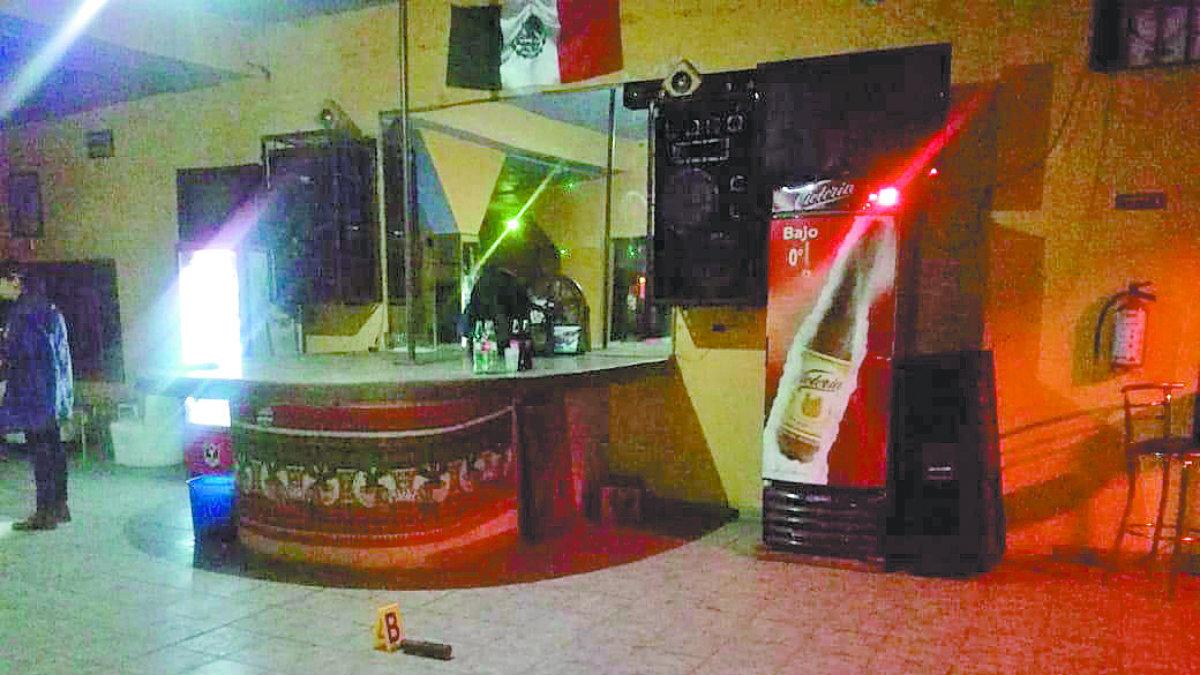 Extorsionadores rafaguéan bar Morelos