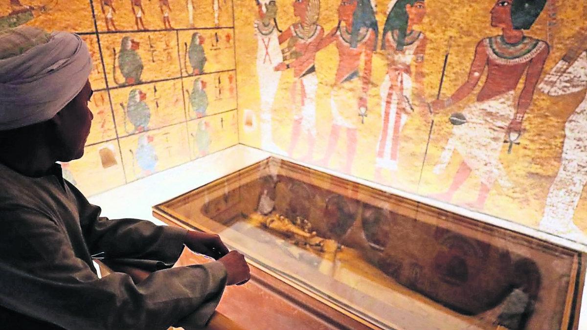 restauran tumba emperador tutankamón Misterios de Antigüedades de Egipto pirámides Egipto