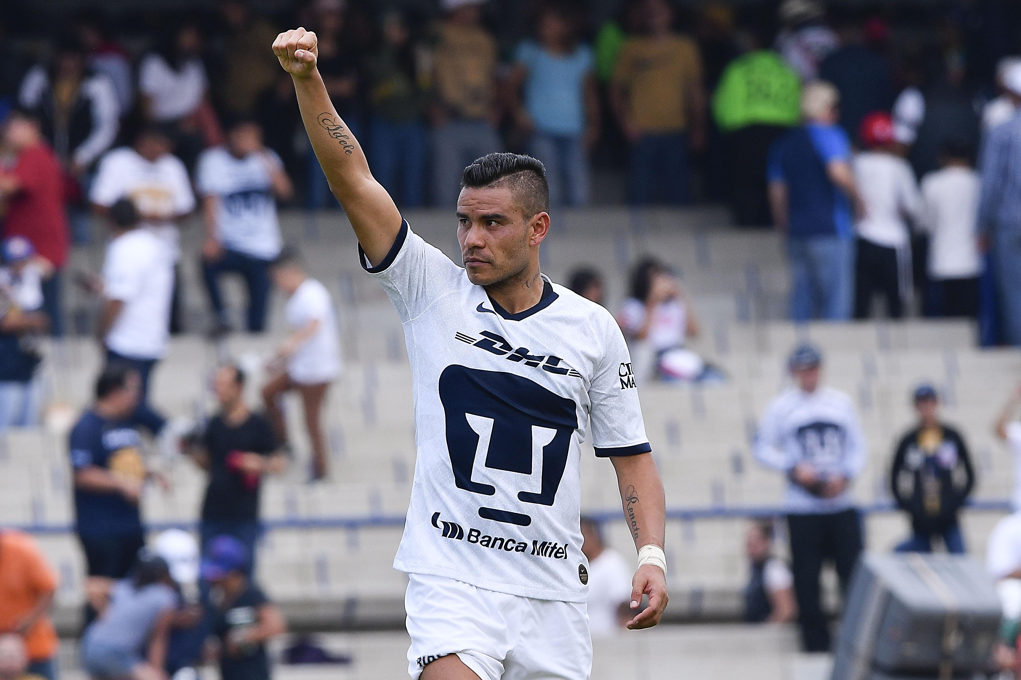 Pumas se impone ante Necaxa y es líder de la Liga MX