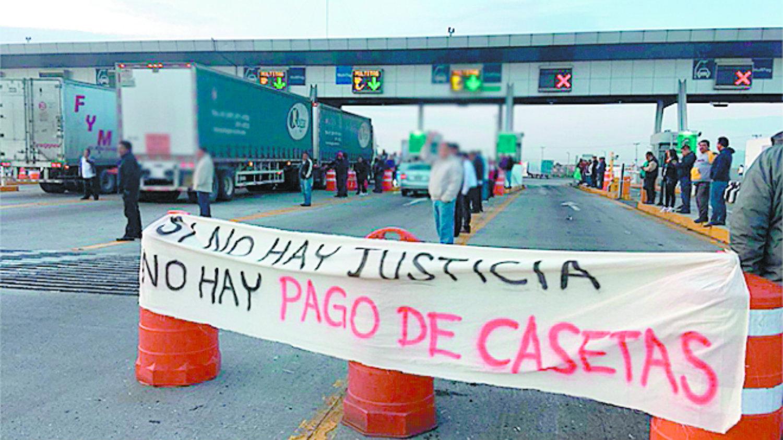 México-Zumpango Circuito Exterior Mexiquense transportistas chóferes protestan toman casetas autopista carretera México-Pachuca