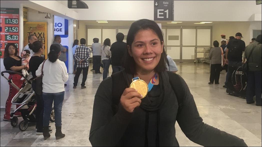 Medallistas mexicanos de oro en Lima 2019 regresan al país