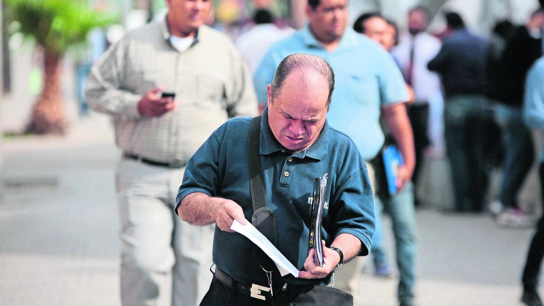Despidos masivos caen empleos
