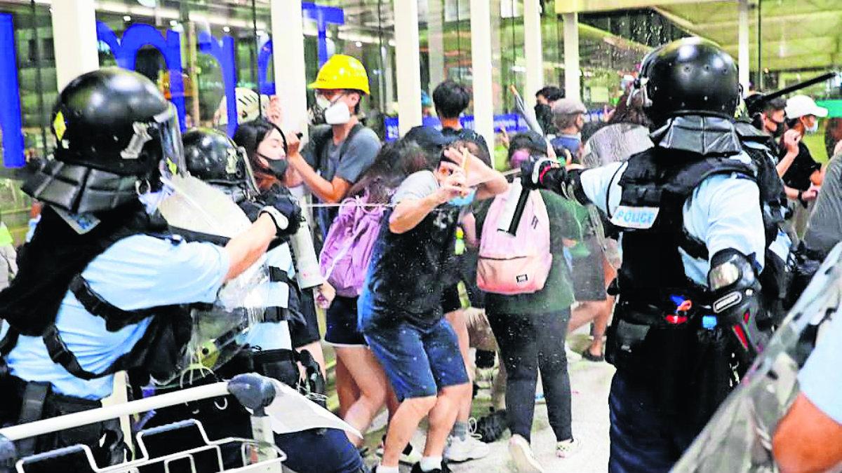 hong kong militares conflicto inconformes policías ataques manifestantes china
