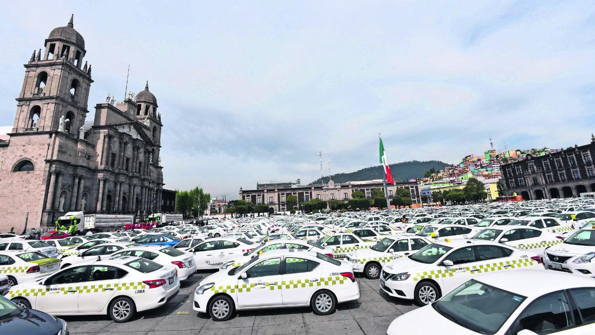 taxistas equipados gas natural sistema de seguridad estrenan taxis vehículos fueron por la bendición catedral de saj josé valle de toluca