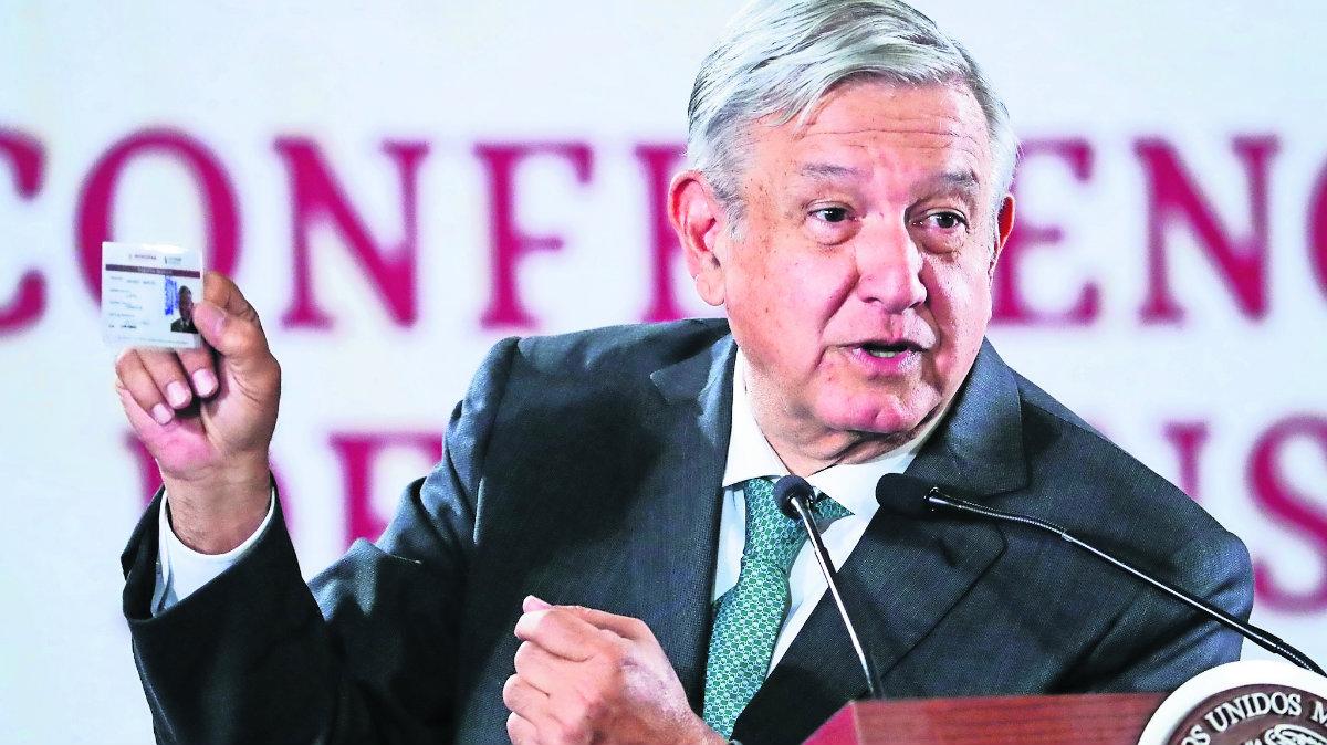 amlo encuesta encuestados 70% apoyan presidente continúe cargo