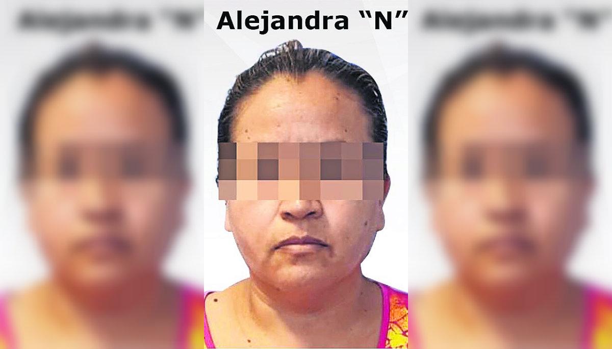 Catean narcotiendita y detienen a una mujer que portaba arma de fuego en Cuautla