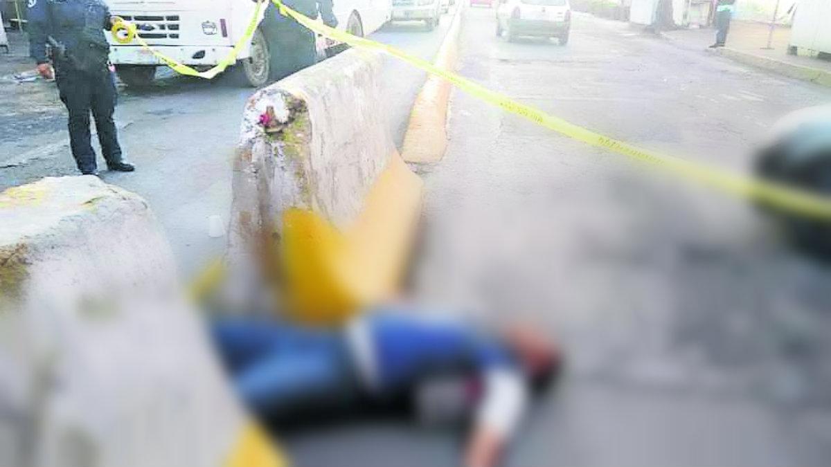 Motosicarios asesinan a balazos a checador de transporte público en Naucalpan