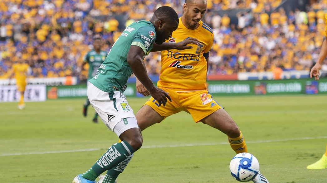 Empate entre Tigres y León en el estadio Universitario