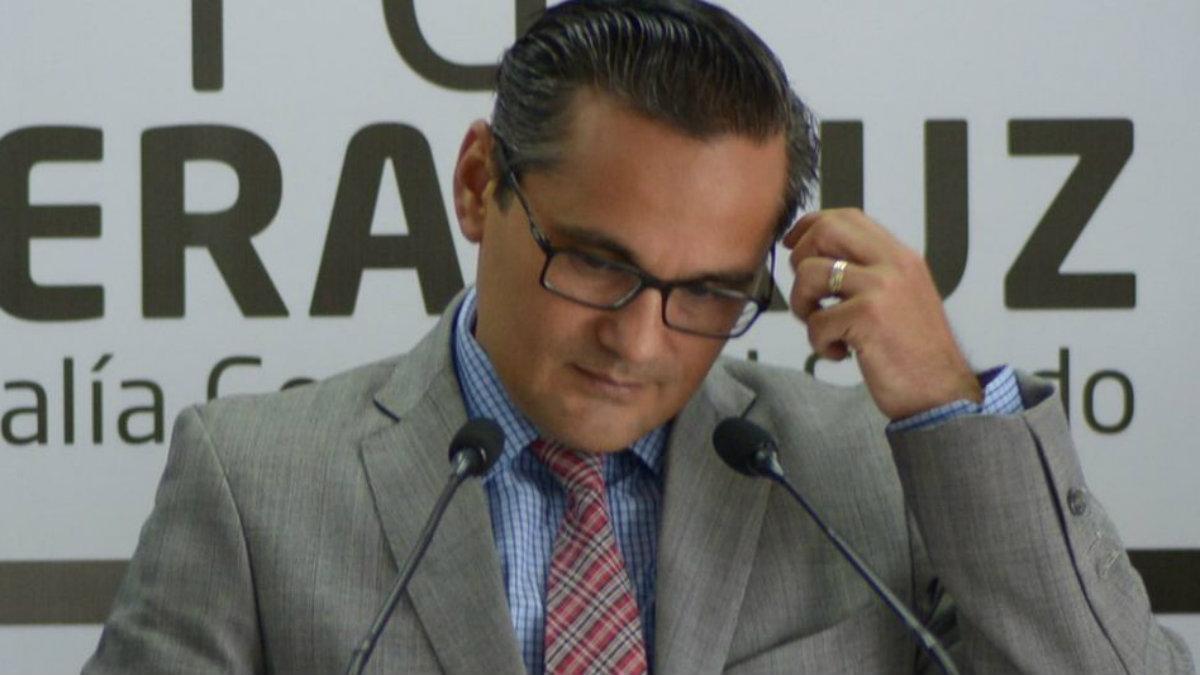 Congreso de Veracruz remueve de su cargo al fiscal Jorge Winckler